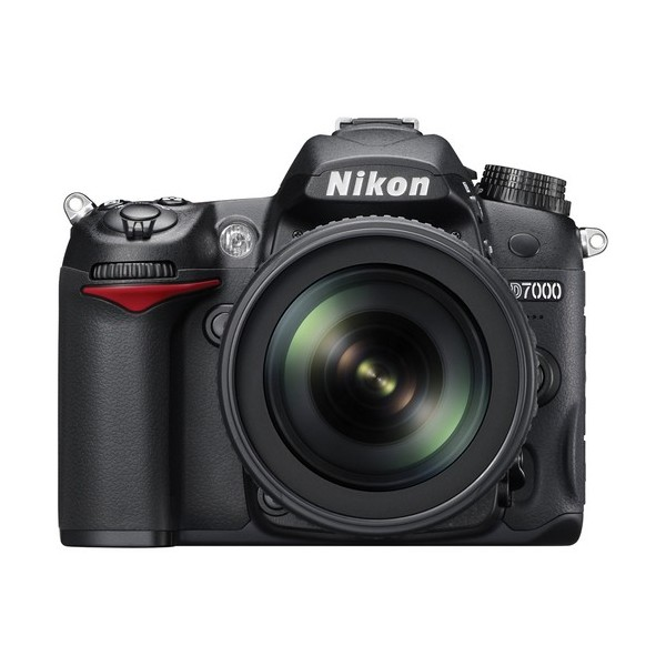 Nikon D7000 with 18-105mm VR Lens Kit