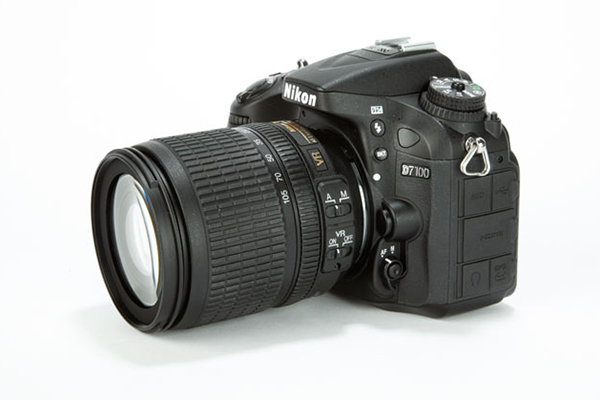 Nikon D7100 with 18-105mm VR Lens Kit