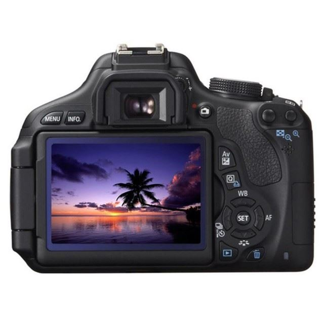 Canon 650D with 18-55mm f/3.5-5.6 STM IS